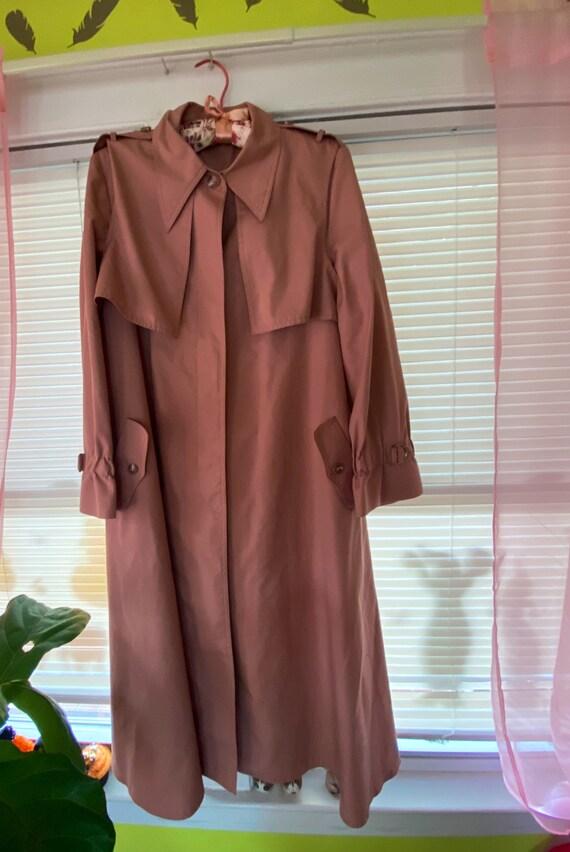 Vintage dusty rose rain trench coat by Fleet Stree