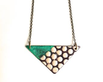 Reversible Geometric Necklace