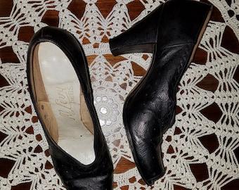 Vintage 1940's WWII Black Genuine Leather Baby Doll Peep Toe Pumps Heels 6 6.5