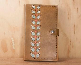 Housse de carnet Moleskine en cuir - Journal rechargeable dans le modèle de pétale en cuir fait à la main avec des fleurs moderne - brun antique