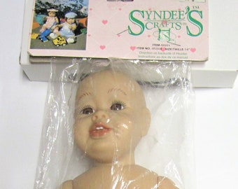 Syndee/'s Crafts LARGE SANDI w//Blue Eyes DOLL HEAD #01114  NEW IN PACKAGE 1