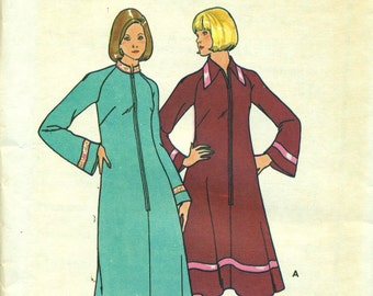 Butterick 5742 Front Zip Flared ROBE DRESS Bell Sleeves 1970s Pattern Size 12 Bust 34