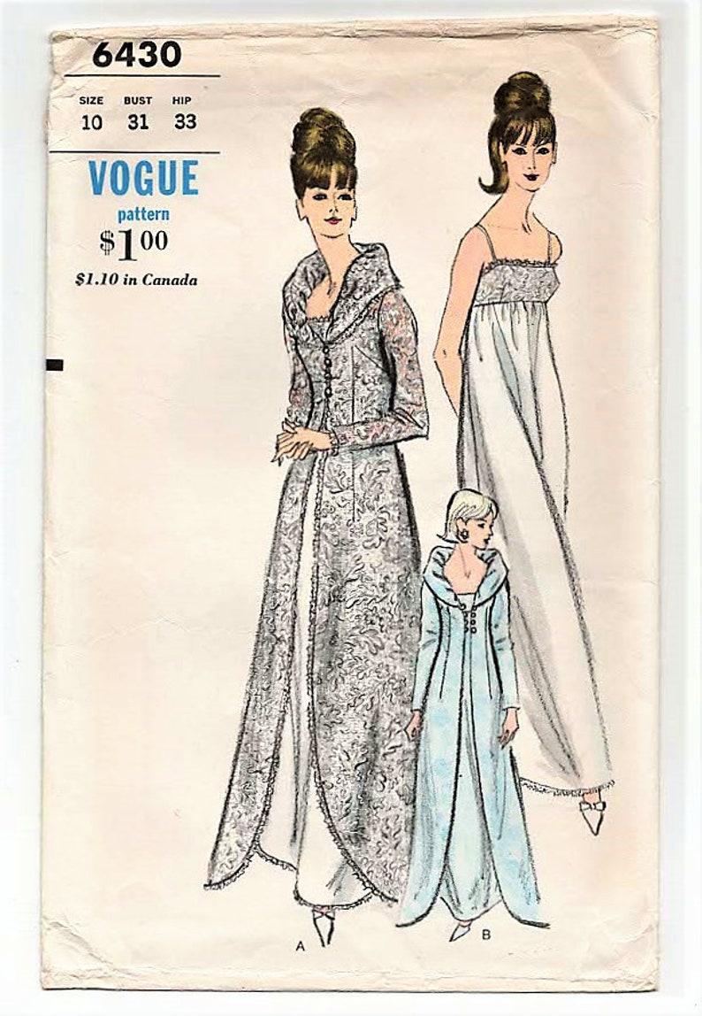 6798f500ab Vogue 6430 WEDDING TROUSSEAU LINGERIE 1960s Size 10 Peignoir