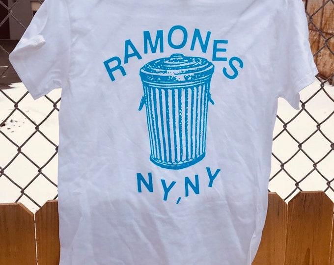 Featured listing image: Ramones Shirt Animal Boy Blue