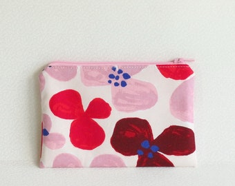 Small Zippered Pouch - Pink and red flowers