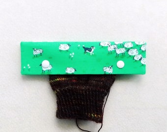 Knitting Needle Keeper DPN Cozy for 6 inch needles, Sheep on green fields