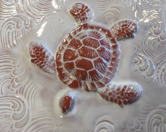 White Seaturtle in Waves Tile