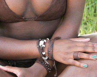 Naja Conch Shell Leather Bracelet, Men's Women's Vintage Naga Conch Shell Bracelet, African Glass Beads, Leather Cord, Boho Tribal Jewelry