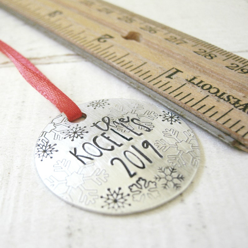 ornament gift tag Christmas 2020 Personalized Family Name Ornament hostess gift snowflake ornament housewarming gift Family Ornament