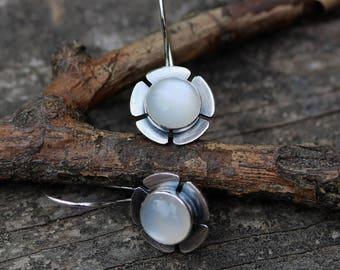 Moonstone earrings / sterling silver earrings / moonstone dangle earrings / gift for her / silver dangle earrings / flower earrings / sale