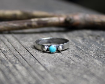 Tiny blue Kingman turquoise ring / dainty sterling silver ring / sterling silver turquoise ring / gift for her / jewelry sale / girls ring