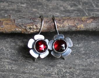 Garnet flower dangle earrings /sterling silver dangle earrings / gift for her / plum color stone earrings / silver earrings / jewelry sale