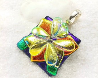 Daffodil flower pendant, Fused Dichroic glass jewelry, Hana Sakura, artistic jewelry, Dichroic Pendant, dichroic statement necklace, fusion