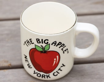 Vintage New York City Big Apple Mug