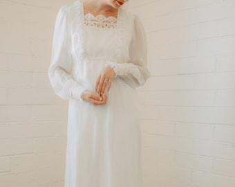 Retro Vintage 70s Long Sleeve Wedding Dress