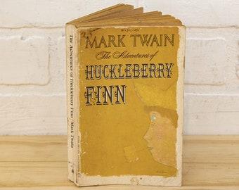 Huckleberry Finn by Mark Twain - 1968 40th Edition