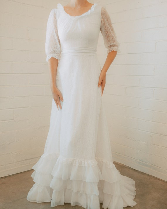 Dreamy Vintage Floral Lace Wedding Dress
