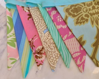 Discounted Fabric Flag Bunting, Slight Imperfection As Shown Fabric Pennant. Medium Flags, Shabby Chic Colorful Party Decor, Photo Prop