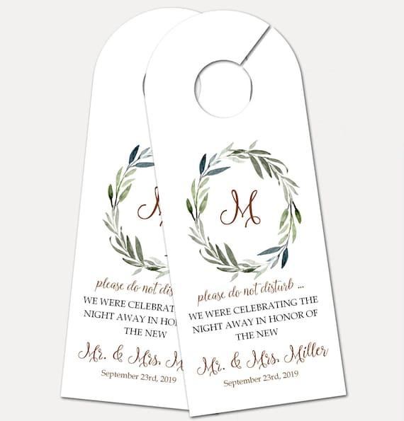 Personalized Door Hanger for Wedding Guests, Do Not Disturb Door Hanger, Hotel Welcome Gift, Wedding Favor, Wedding Door Tag (3837)