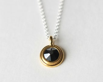 Faceted Metallic Round Crystal Pendant Necklace