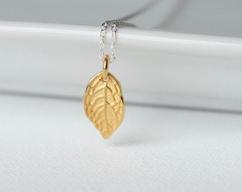 Minimalist Small Gold Leaf Necklace
