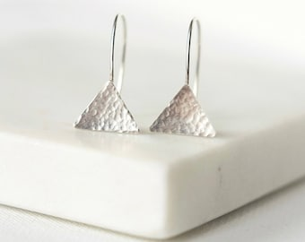Hammered Sterling Silver Triangle Earrings, Everyday Geometric Earrings, Minimal Modern Jewelry, Minimalist Earrings, Gift for Women
