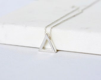 Minimalist Silver Geometric Layering Necklace