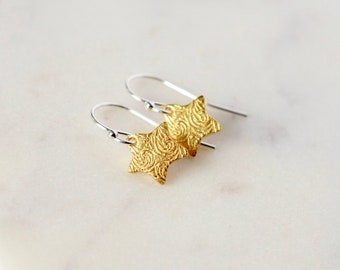 Small Gold Star Earrings, Mixed Metal Celestial Jewelry, Textured Stars, Dainty Minimalist Earrings, Jewelry Gift, Everyday Earrings