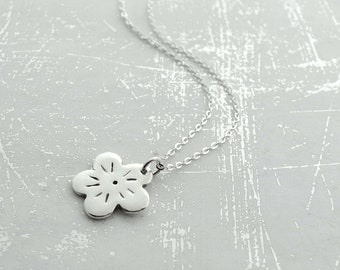 Sterling Silver Necklace, Flower Pendant Necklace, Silver Chain Necklace, Simple Necklace, Fine Silver Jewelry, Casual Jewelry, Gift Idea