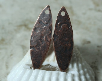 Hand hammered antique copper marquise dangle drop size 28x8mm, 2 pcs (item ID XW00421ACP)