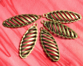 Antique brass hollow marquise dangle 25x9mm, Select your quantity (item ID ABDD25x9)