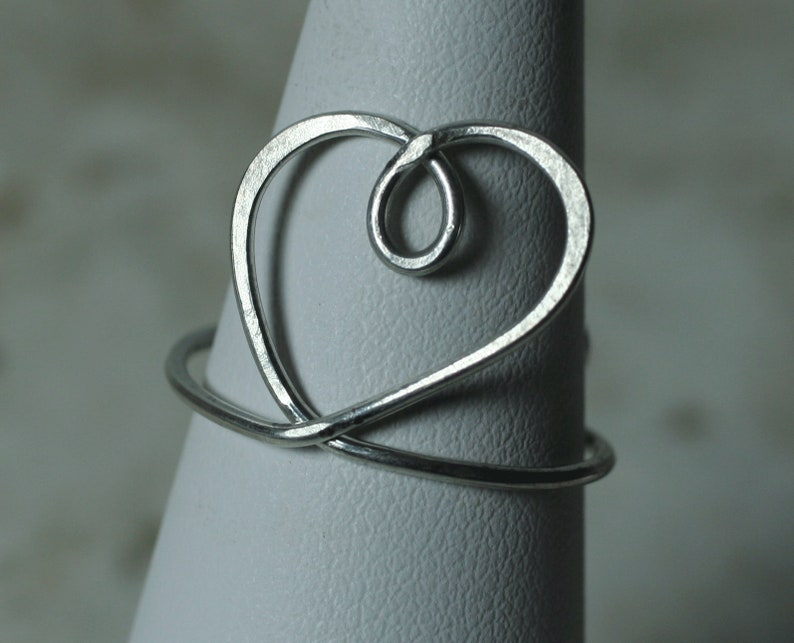 Handmade adjustable HEART finger ring R131 F select your color and quantity GT