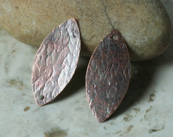 Hand hammered antique copper marquise dangle drop size 26x12mm, 2 pcs (item ID XW02790ACP)