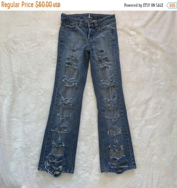 *SALE* Ladies Blue Denim Light Wash Faded Jeans Ripped Holes Distressed Look UK