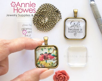 Wedding Bouquet Charm DIY Kit. 1 Inch Puffy Clear Square Glass Pendant Kit with Pendant Trays, Glamour Seal, and 5 Matching Chains. Makes 5.