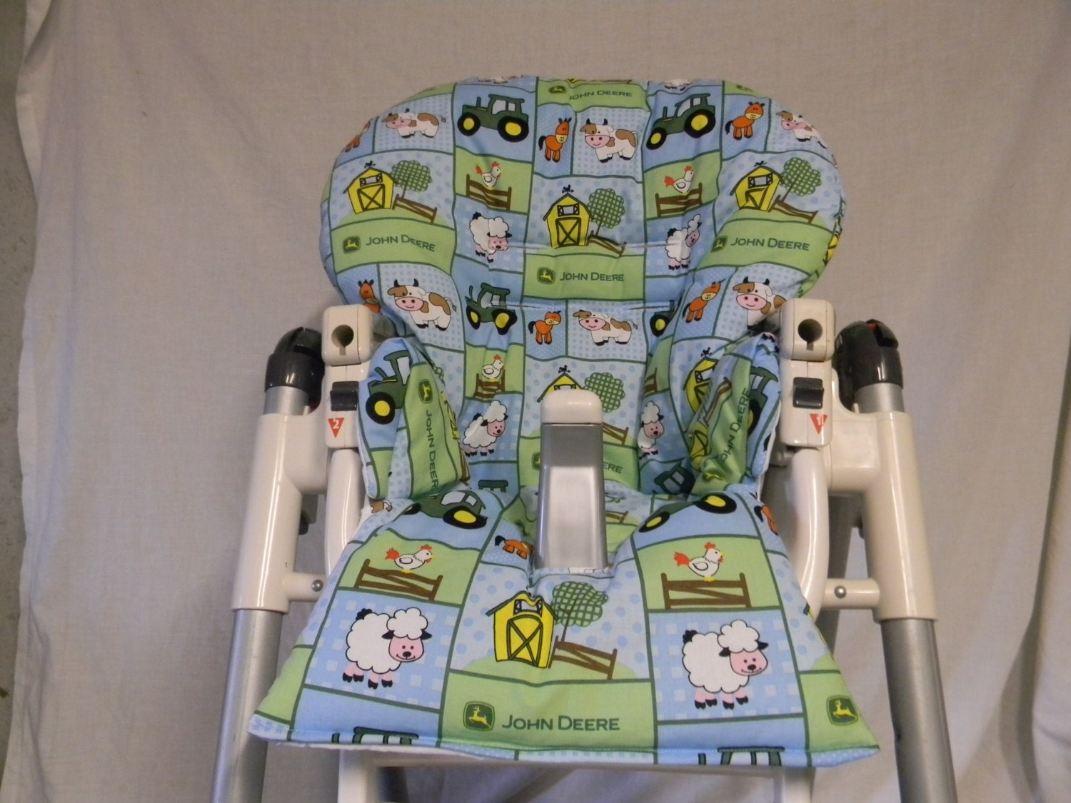 Excellent Prima Pappa And More Highchair Cover In John Deere And Animals See Descript Bralicious Painted Fabric Chair Ideas Braliciousco