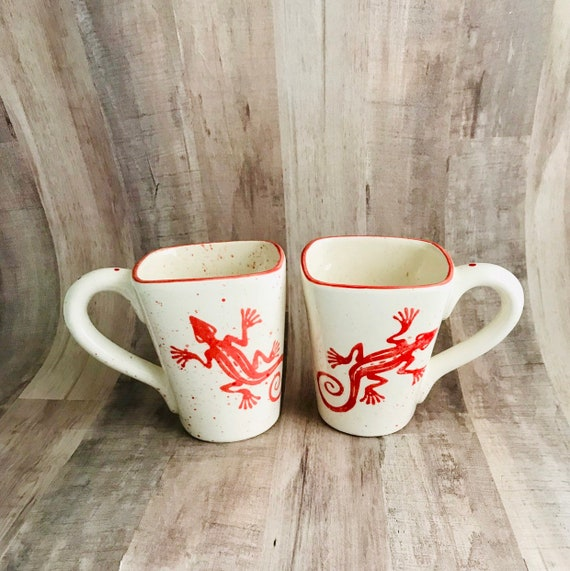 Mugs. Gecko  Mugs. Gecko. Coffee. 12 oz. Handmade by Sara Hunter