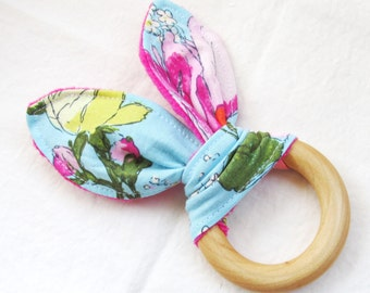 Natural Wooden Teether with Crinkles - Amy Butler Alchemy Sketchbook with Fuschia Pink Minky Dot - New Baby Gift - Natural Teething