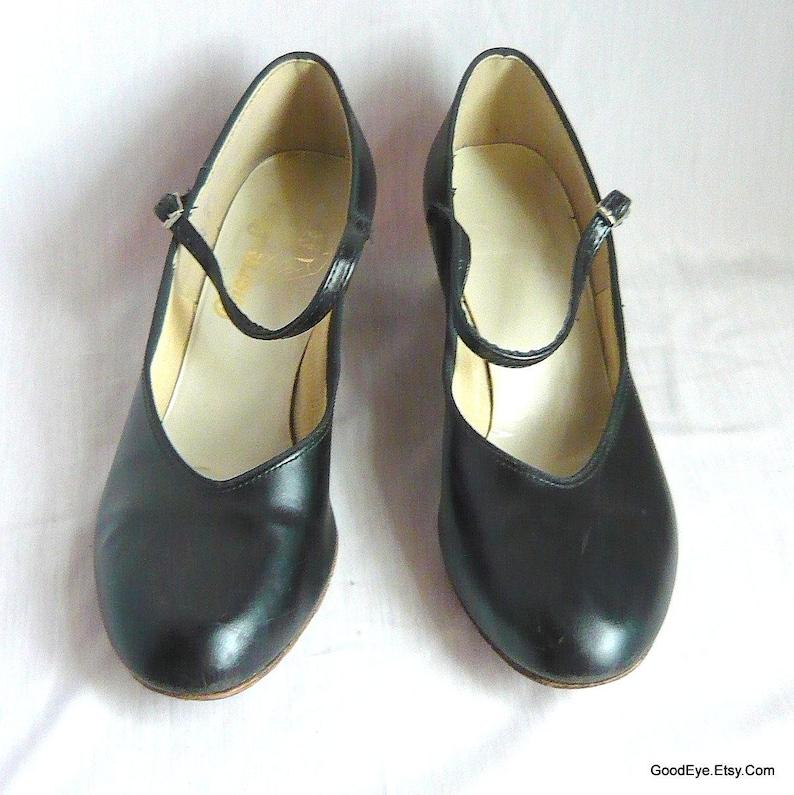 16ed240925965 Vintage Mary Jane Dance Shoes with Leather Sole / size 8.5 m Eu 39 Uk 6 /  Black Vinyl Pumps Salsa Ballroom / 1990s CHORUS LINE