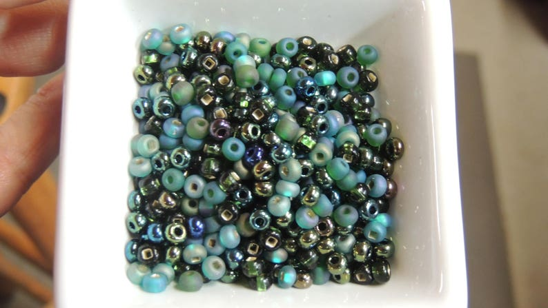 Sherwood Forest Dark Green size 6 Czech seed bead Mix 50 grams greens black European