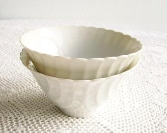 Vintage Porcelain Bowls White Cabbage Leaf Design Asian Decor Dining   Set of 2