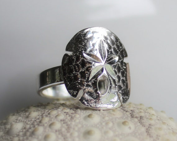 Large Sand Dollar ring in sterling silver