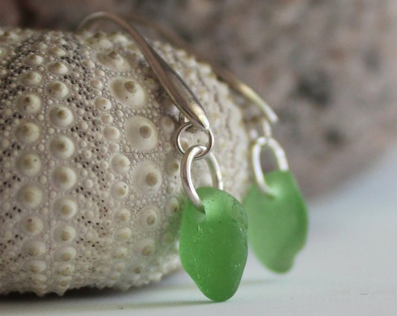 Horizon sea glass earrings in spring green