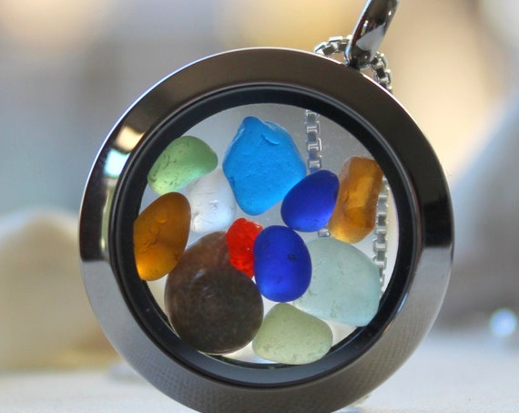 Porthole locket in blue, green amber, yellow, white and red