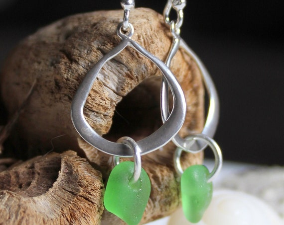 Waterline sea glass earrings in kelly green