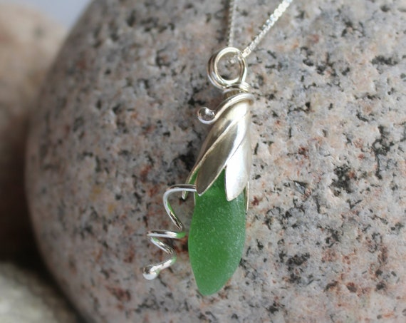 Sea Lily beach glass necklace in true green