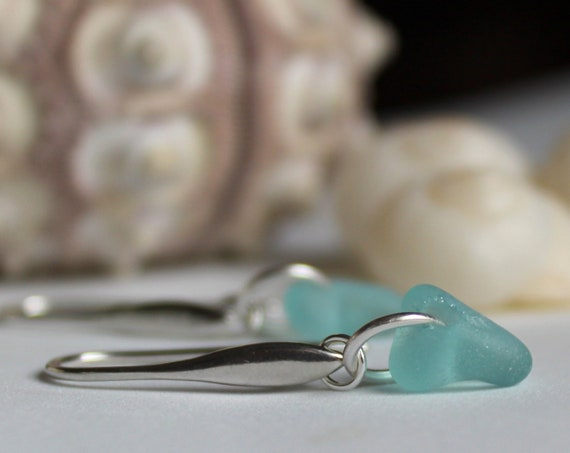 Horizon sea glass earrings in aqua