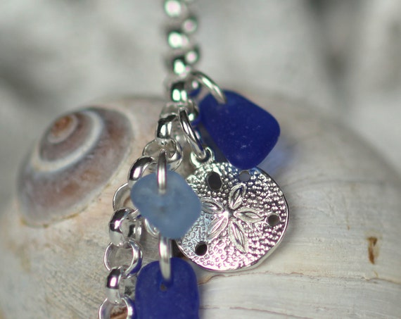 Little Sand Dollar sea glass bracelet in ocean blues