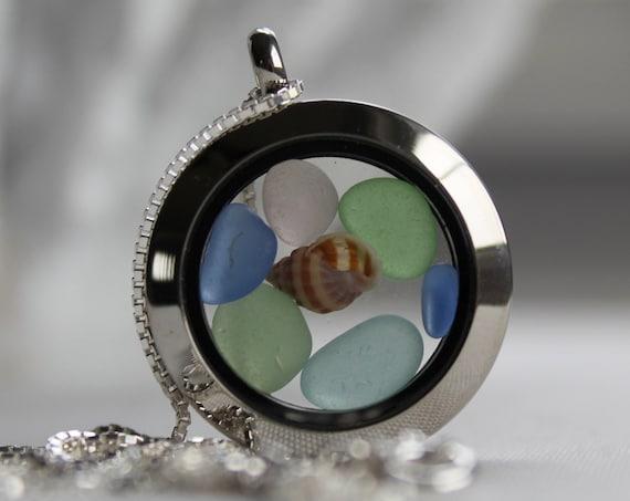 Porthole locket in pastels