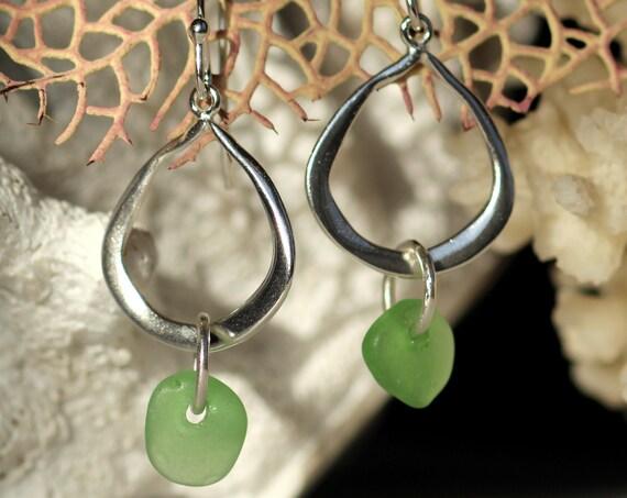 Waterline sea glass earrings in kelly green